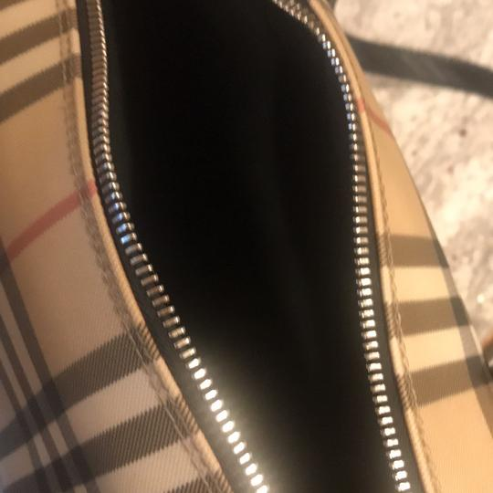 Burberry London Tote in nova check with black leather handles Image 8