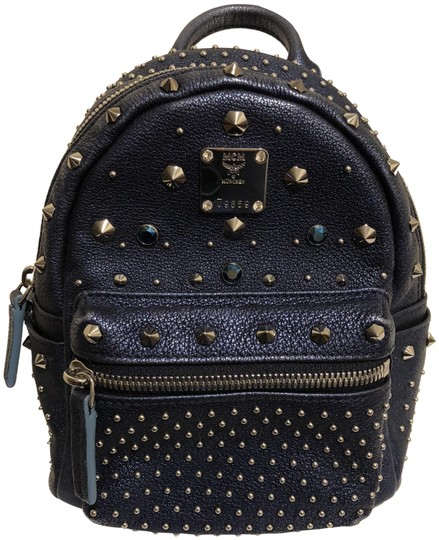 Preload https://img-static.tradesy.com/item/24833542/mcm-bebe-boo-black-backpack-0-1-540-540.jpg