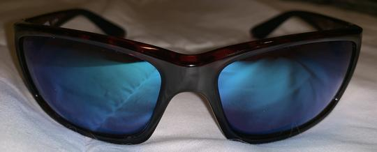 Costa Del Mar Costa sunglasses w/ case Image 1