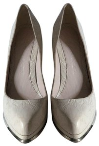 Alexander McQueen light ivory Pumps