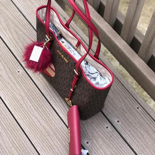 Michael Kors Mk Carryall Saffiano Leather Travel Carryall Dusty Rose Tote in brown/cherry Image 2