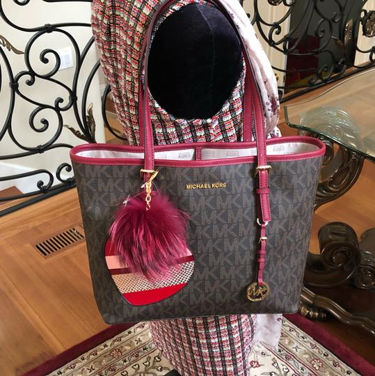 Michael Kors Mk Carryall Saffiano Leather Travel Carryall Dusty Rose Tote in brown/cherry Image 4
