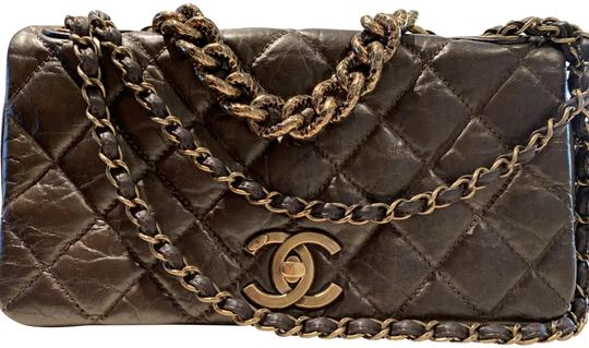 Preload https://img-static.tradesy.com/item/24834269/chanel-classic-quilted-flap-bronze-leather-shoulder-bag-0-3-540-540.jpg