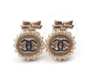 Chanel Chanel Gold Bow CC Round Small Button Piercing Earrings