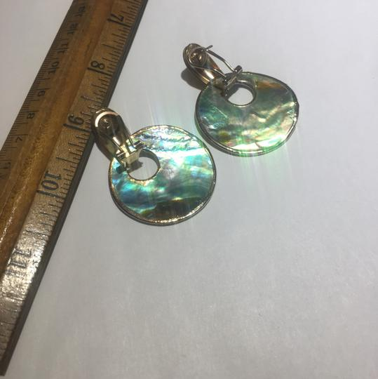 Vintage Vintage abalone shell gold clasp earrings Image 6