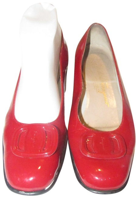 Item - Red Patent Leather with An Extra Large Vara Accent At The Toes Colorful Flats Size US 7.5 Regular (M, B)