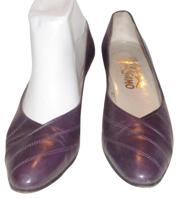 Item - Purple Leather with White Contrast Stitching Kitten Heels Pumps Size US 7.5 Narrow (Aa, N)