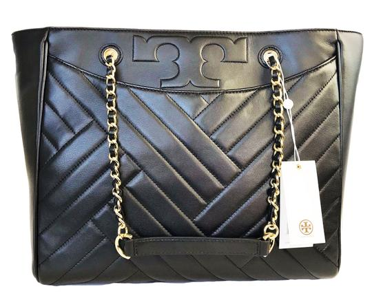 Preload https://img-static.tradesy.com/item/24835905/tory-burch-shoulder-bag-quilted-large-purse-black-leather-tote-0-0-540-540.jpg