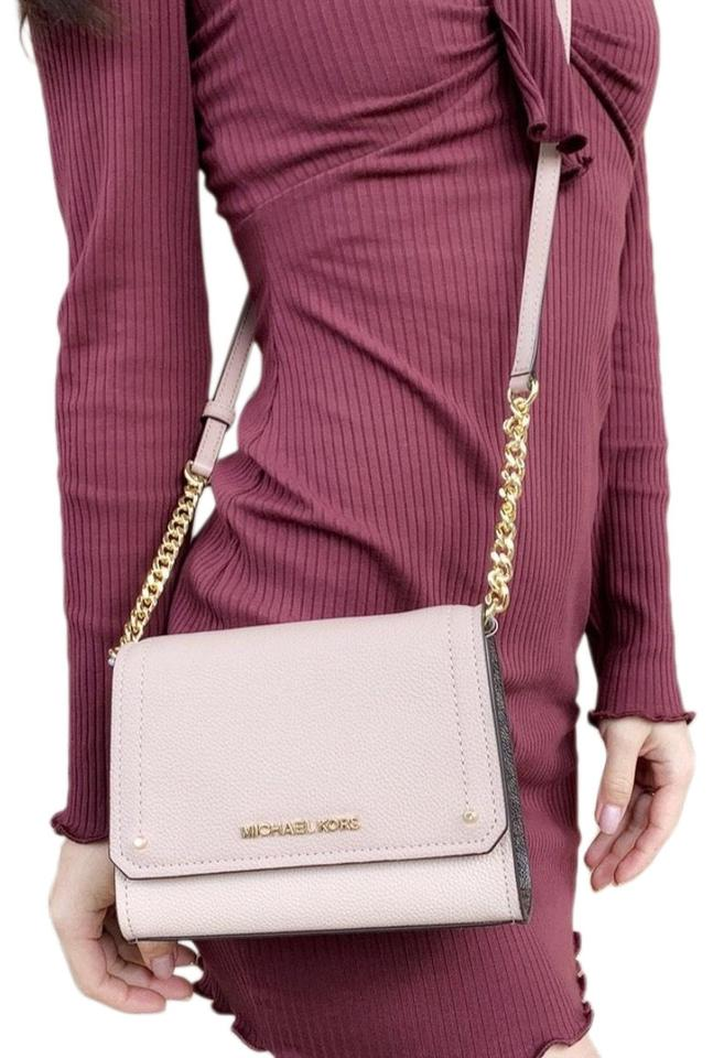 c164ae9c14a3e2 Michael Kors Hayes Small Clutch Signature Pink Brown Leather Cross ...