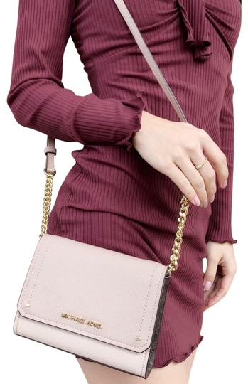 Preload https://img-static.tradesy.com/item/24836169/michael-kors-hayes-small-clutch-pink-brown-signature-black-leather-cross-body-bag-0-1-540-540.jpg