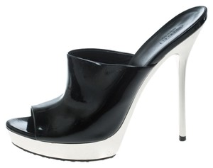 a4629de2dde Gucci Women s Shoes on Sale - Up to 70% off at Tradesy