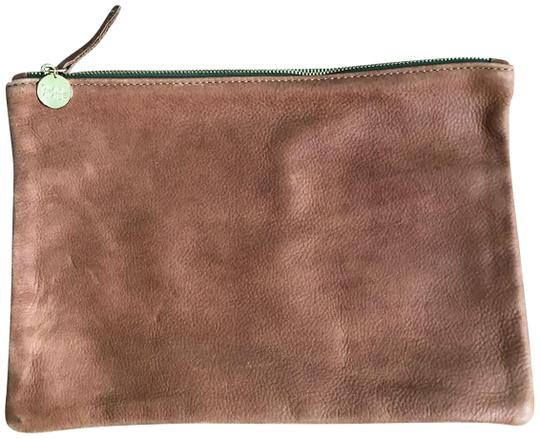 Preload https://img-static.tradesy.com/item/24836356/clare-v-fold-over-brown-leather-clutch-0-1-540-540.jpg