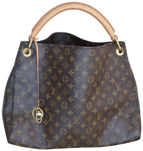 a72f17d21a33 Louis Vuitton Artsy MM Bags - Up to 70% off at Tradesy