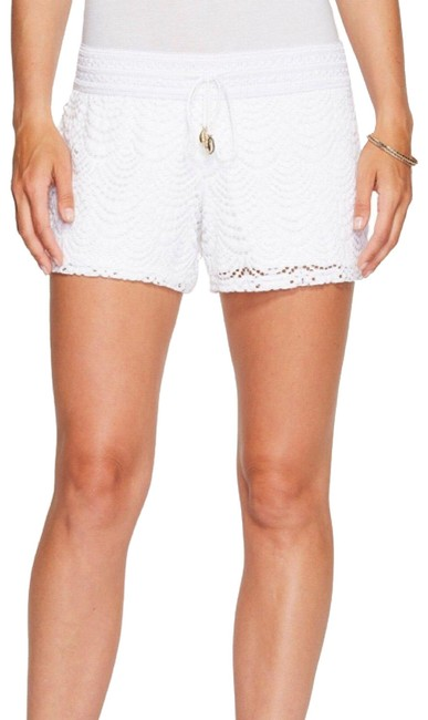 Preload https://img-static.tradesy.com/item/24837370/lilly-pulitzer-white-4-claudette-shorts-size-4-s-27-0-5-650-650.jpg