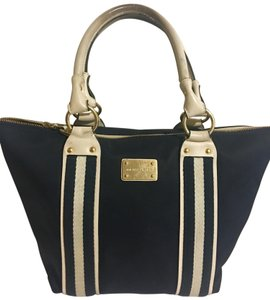 7a5e56567f26 MICHAEL Michael Kors Totes - Up to 90% off at Tradesy