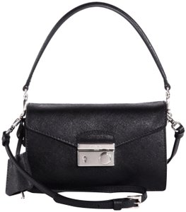 Cross Body Bags - Up to 90% off at Tradesy 41386940b1