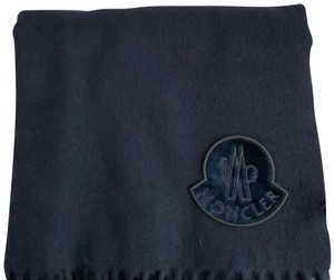 e646d35dedde Moncler Scarves   Wraps - Up to 70% off at Tradesy