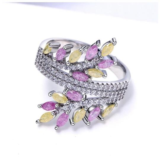 ME Boutiques Private Label Collection Swarovski Crystals The Oona Pixie Ring Size 7 S2 Image 1