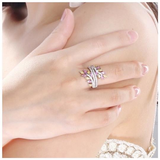 ME Boutiques Private Label Collection Swarovski Crystals The Oona Pixie Ring Size 7 S2 Image 3