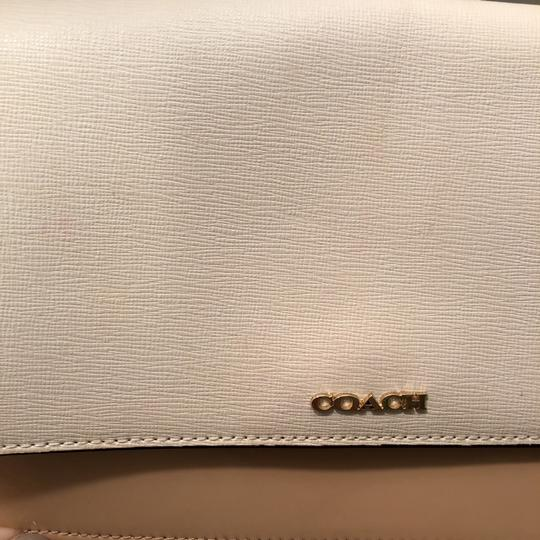 Coach Chain Patent Leather White and Tan Colorblock Clutch Image 4