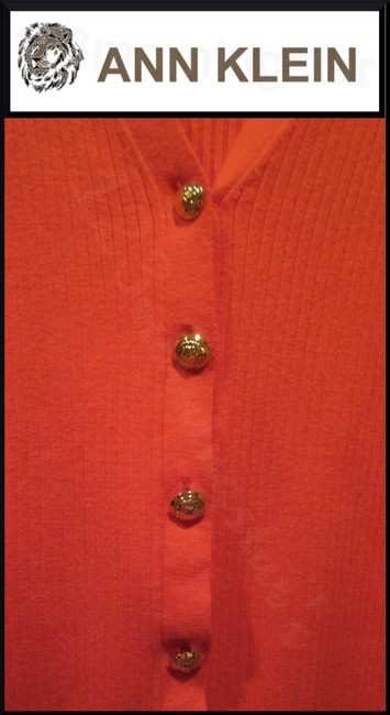 Anne Klein V-neck Signature Buttons Allover Ribbed Print Fitted Silhouette Gold Hardware Cardigan Image 4