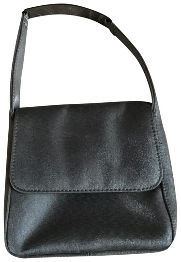 Preload https://img-static.tradesy.com/item/24839099/kenneth-cole-reaction-silvergray-non-leather-clutch-0-2-540-540.jpg