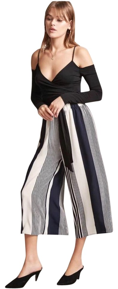 e68e265d61ae Forever 21 Black   White Striped Culotte Pants Size 12 (L