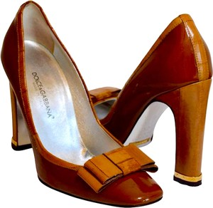 Dolce&Gabbana Anguilla Patent Leather Logo On Heel Chunky High Heel Brown Pumps