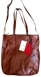 Tommy Bahama Tote in saddle