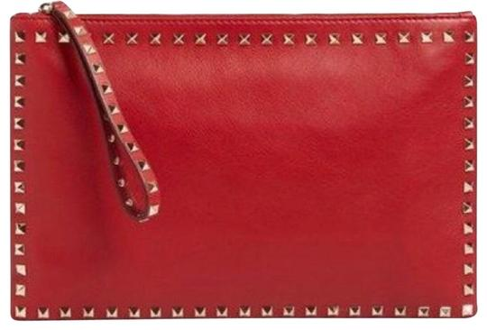Preload https://img-static.tradesy.com/item/24844597/valentino-classic-pouchclutch-red-leather-clutch-0-1-540-540.jpg