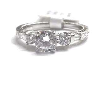 Tacori GORGEOUS!!! BRAND NEW!! NEVER WORN!! Tacori Platinum/18 Karat White Gold and Diamond Ring