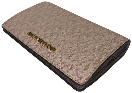 Preload https://img-static.tradesy.com/item/24845295/michael-kors-signature-mk-fawn-jet-set-travel-slim-bifold-wallet-0-1-540-540.jpg