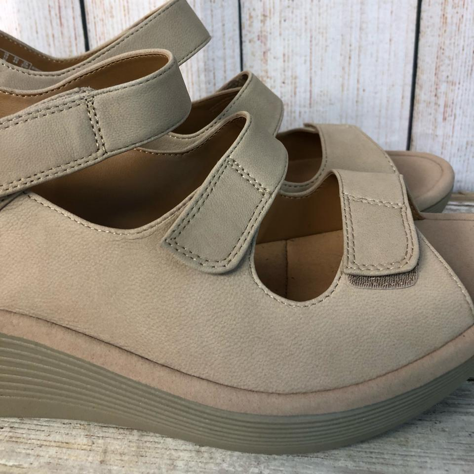 202bc968612 Clarks Nude Rubber Soles Tri Velcro W Sandals Size US 12 Extra Wide ...