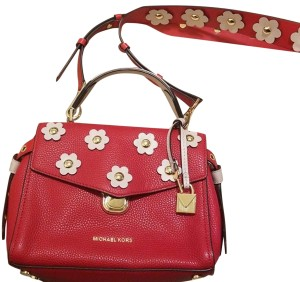 6dcd5d6a6fb9 Michael Kors Collection Bags - Up to 90% off at Tradesy