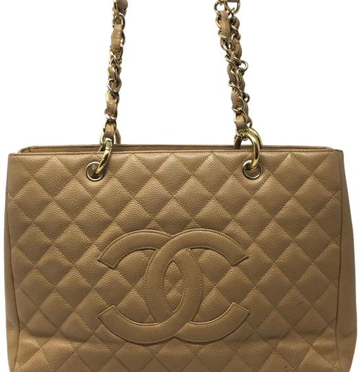 Preload https://img-static.tradesy.com/item/24846387/chanel-shopping-tote-tan-caviar-leather-tote-0-1-540-540.jpg