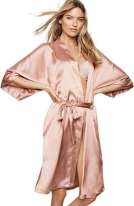 60f4d95bb7360 Victoria's Secret Maternity Clothing - Up to 70% off at Tradesy