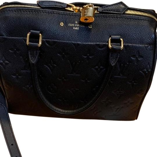 Preload https://img-static.tradesy.com/item/24846534/louis-vuitton-speedy-mode-number-m42401-leather-cross-body-bag-0-4-540-540.jpg