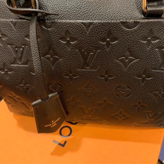 Louis Vuitton Cross Body Bag Image 8