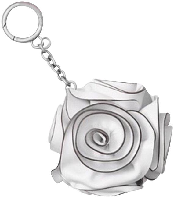 Item - White/Black/Silver Rose Bouquet Bag Keychain Charm