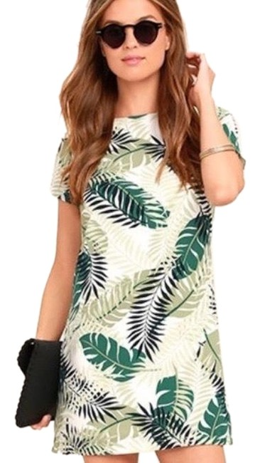Preload https://img-static.tradesy.com/item/24846949/green-short-casual-dress-size-12-l-0-1-650-650.jpg