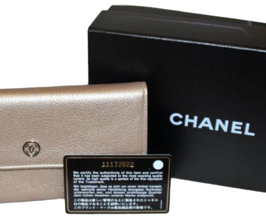 Preload https://img-static.tradesy.com/item/24847069/chanel-metallic-beige-0-7-540-540.jpg