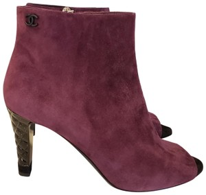 Chanel Knee High Riding Ascot Burgundy Boots
