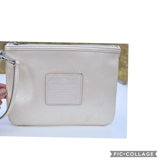 Coach Wristlet in off white Image 10