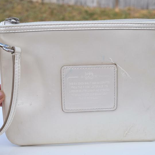 Coach Wristlet in off white Image 4