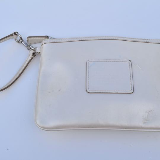Coach Wristlet in off white Image 7