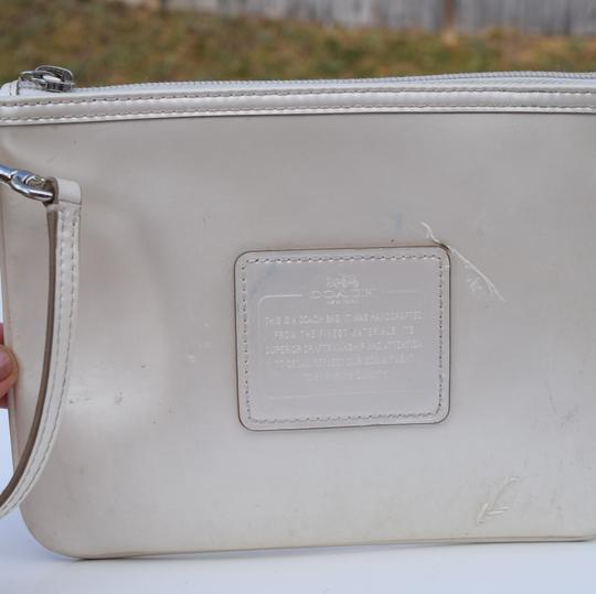 Coach Wristlet in off white Image 8