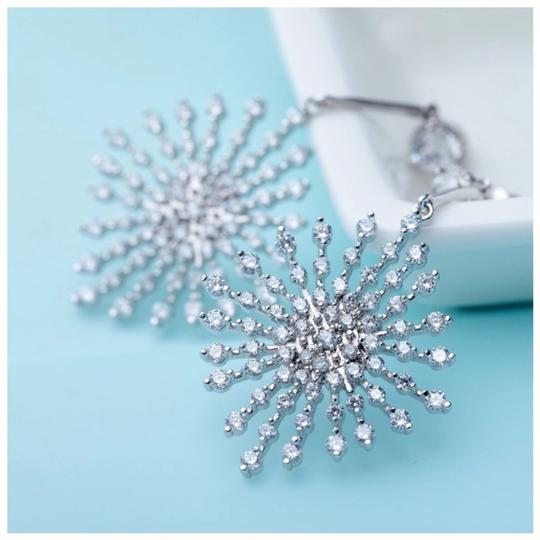 ME Boutiques Private Label Collection Swarovski Crystals The Poppy Starburst Earrings S3 Image 1