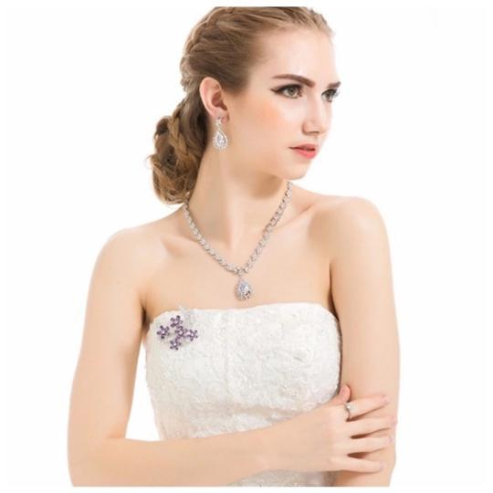 ME Boutiques Private Label Collection Swarovski Crystals The Talithia Gorgeous Brooch S3 Image 2