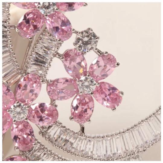 ME Boutiques Private Label Collection Swarovski Crystals The Talithia Gorgeous Brooch S3 Image 3