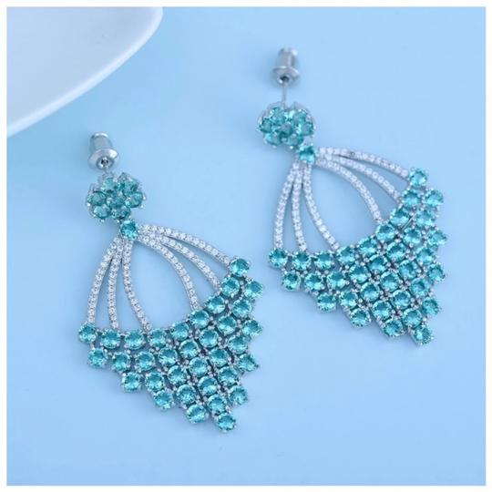 ME Boutiques Private Label Collection Swarovski Crystals The Remara Earrings S4 Image 1